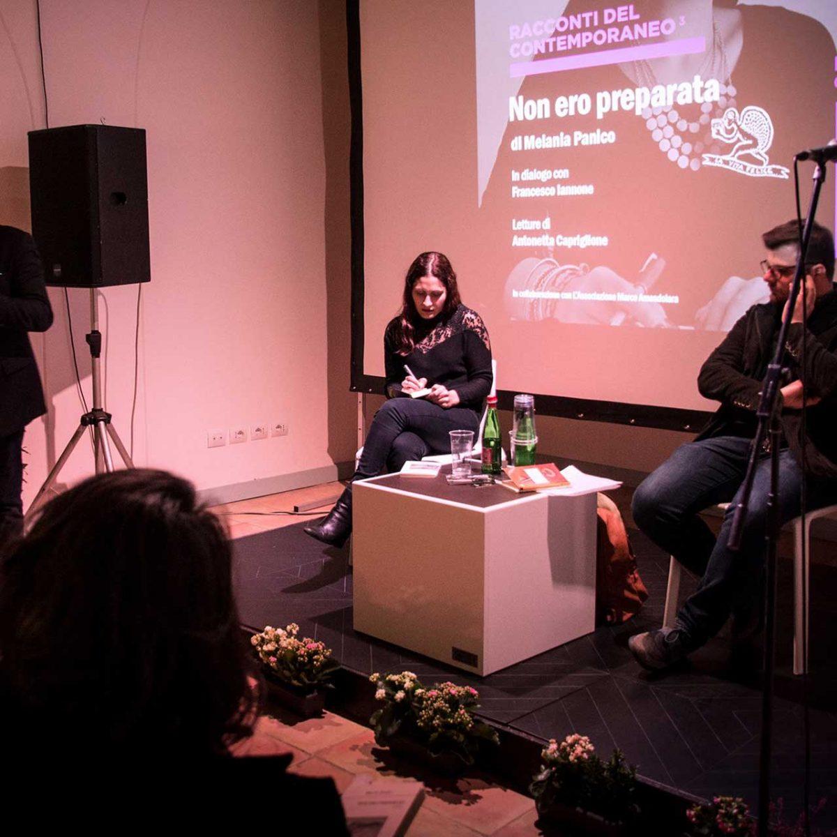 La poetessa Melania Panico con Francesco Iannone e Antonetta Capriglione - Foto © Govanna Landi