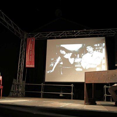 JUST KIDS - PATTI SMITH PRIMA DI PATTI SMITH con Riccardo Bertoncelli, letture di Antonella Valitutti